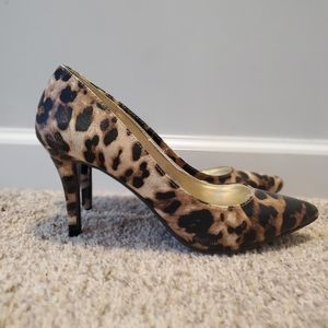 Leopard print pumps NWB